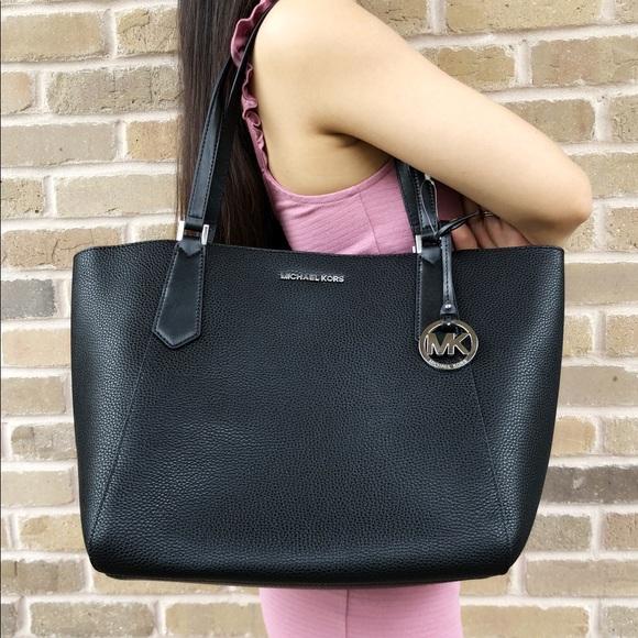 fbda5ba6e542 Michael Kors Bags | Kimberly Large Tote Black | Poshmark